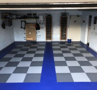 [:de]Bursens-Garage-with-Industry-2020-Graphite-Grey-and-Blue[:]