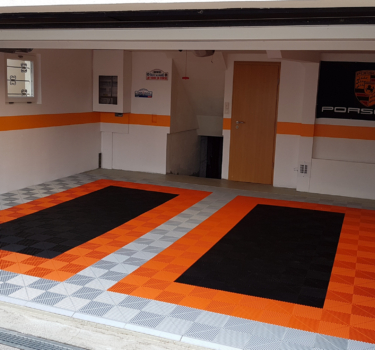 [:en]Orange and pearlgrey garage[:]
